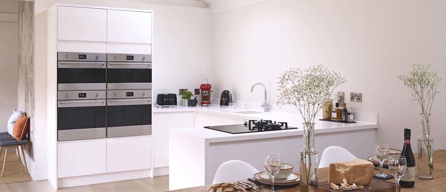 backofen mit dampfgarer und pyrolyse latest backofen siemens hb edelstahl mit mikrowelle. Black Bedroom Furniture Sets. Home Design Ideas
